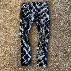 Black and grey leggings. Large - great condition!